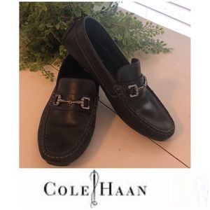 Cole Haan Sz 7 driving or loafer shoe. Very nice